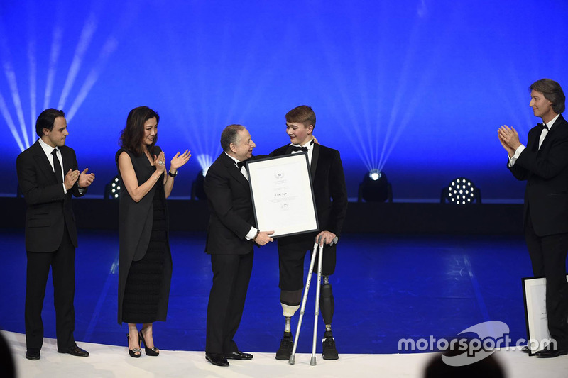 Billy Monger con Jean Todt