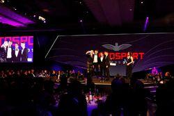 David Coulthard prend un selfie avec George Russell, Lando Norris et Charles Leclerc