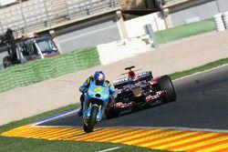 Vitantonio Liuzzi, Team Suzuki MotoGP y John Hopkins, Toro Rosso
