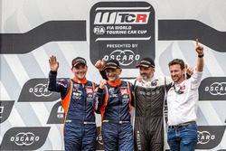 Podium: Race winner Gabriele Tarquini, BRC Racing Team Hyundai i30 N TCR, second place Norbert Michelisz, BRC Racing Team Hyundai i30 N TCR, third place Yvan Muller, YMR Hyundai i30 N TCR
