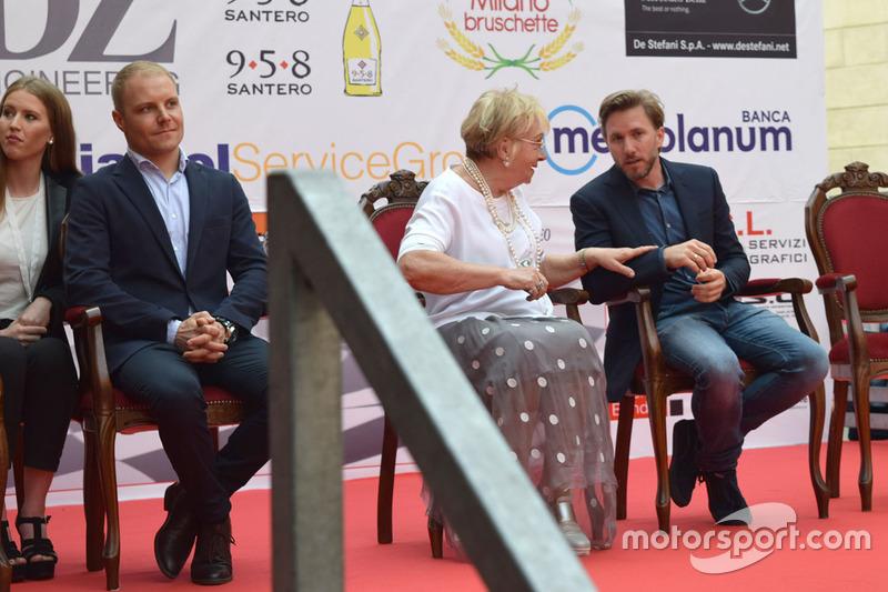 Валттери Боттас, Mercedes AMG F1, Ник Хайдфельд, Mahindra Racing