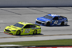 Ryan Blaney, Team Penske, Ford Fusion Menards/Richmond e Kyle Larson, Chip Ganassi Racing, Chevrolet Camaro Credit One Bank