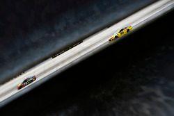 Kasey Kahne, Leavine Family Racing, Chevrolet Camaro Ollie's Bargain Outlet