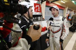 Il poleman LMP1 #1 Porsche Team Porsche 919 Hybrid: Neel Jani