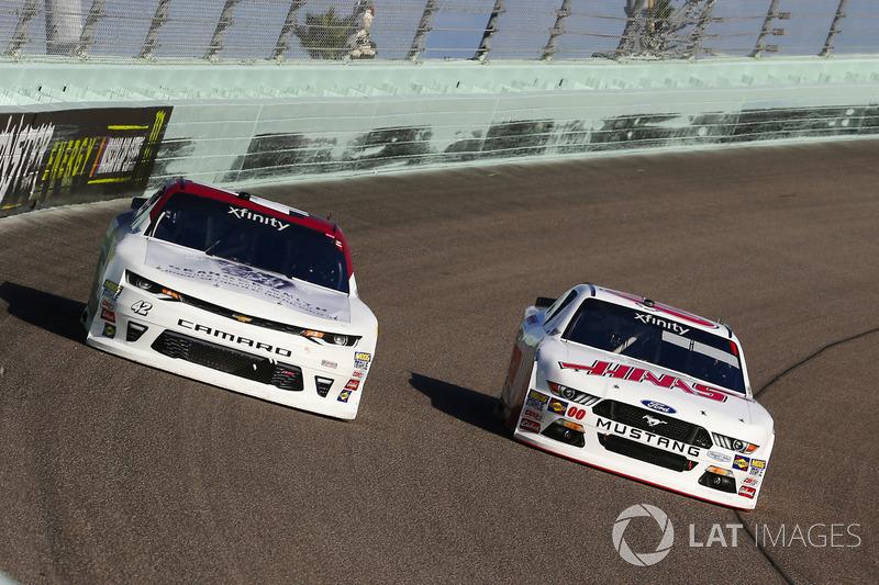 Cole Custer, Stewart-Haas Racing Ford and Tyler Reddick, Chip Ganassi Racing Chevrolet