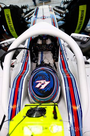 Valtteri Bottas, Williams FW38 Mercedes with halo