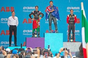 Race winner Mitch Evans, Jaguar Racing on the podium with James Barclay, Team Director, Panasonic Jaguar Racing, Antonio Felix da Costa, DS Techeetah, 2nd position, Sébastien Buemi, Nissan e.Dams, 3rd position