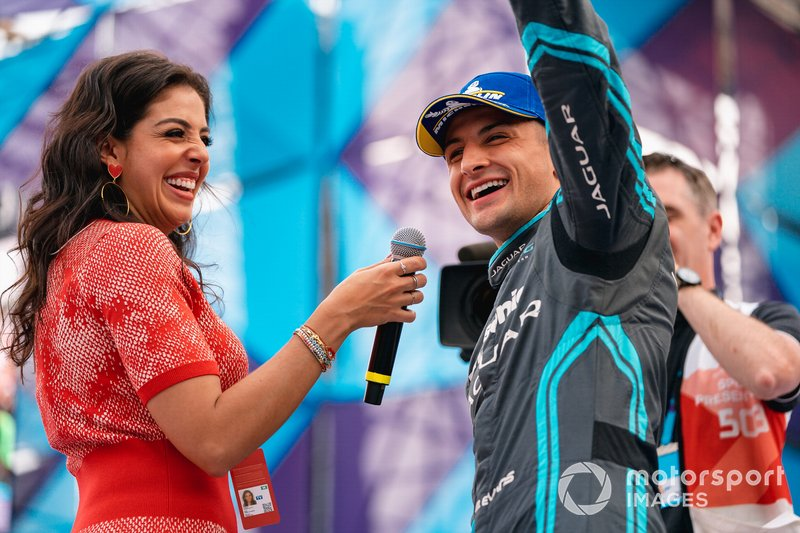 Podio: ganador de la carrera Mitch Evans, Jaguar Racing