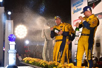 #96 Turner Motorsport BMW M6 GT3, GTD: Bill Auberlen, Robby Foley, Dillon Machavern celebrate on the podium with champagne