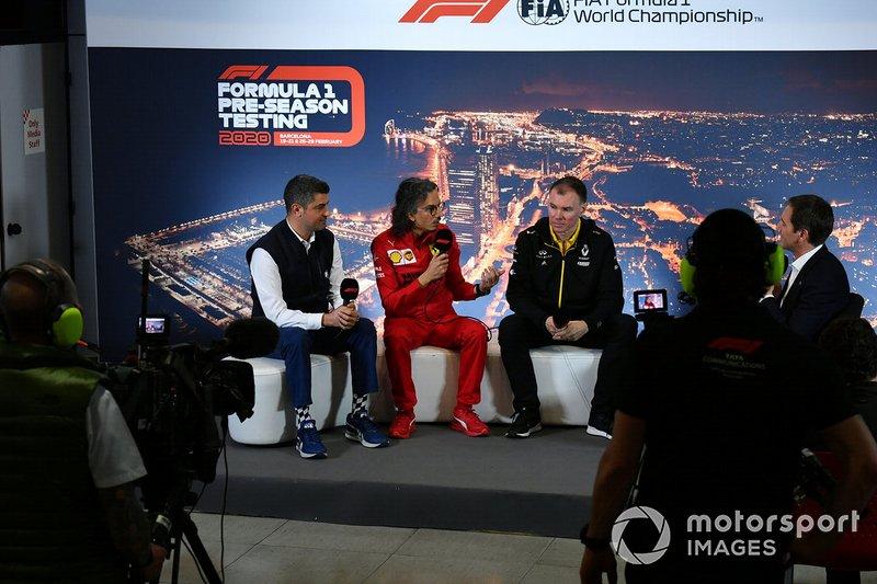 Michael Masi, Director de Carrera, Laurent Mekies, Director Deportivo, Ferrari y Alan Permane, Director Deportivo, Renault Sport F1 Team en la conferencia de prensa