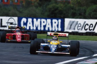 Тьерри Бутсен, Williams FW13B, и Ален Прост, Ferrari 641