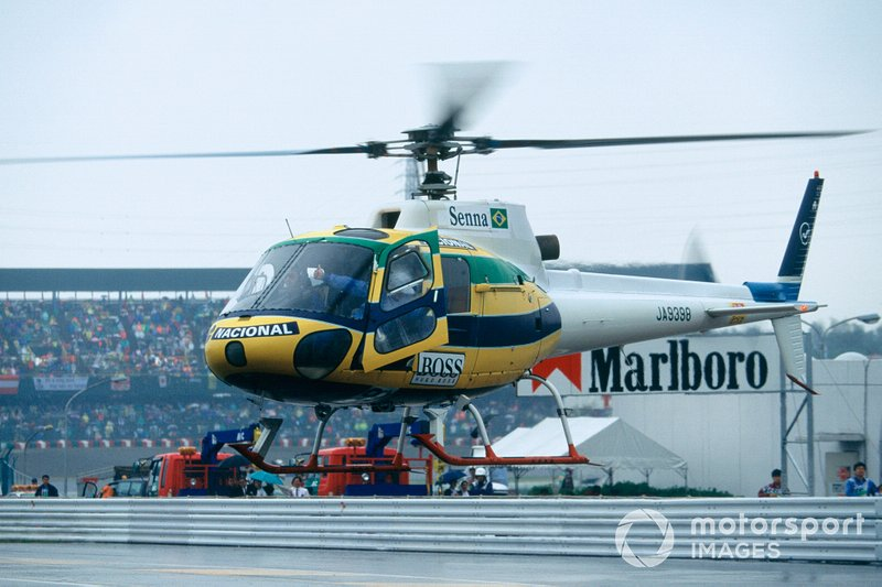 Ayrton Senna, McLaren leaves the circuit in his understated helicopter