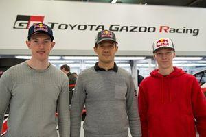 Гонщики Toyota Gazoo Racing WRT Себастьен Ожье, Элфин Эванс и Калле Рованпера