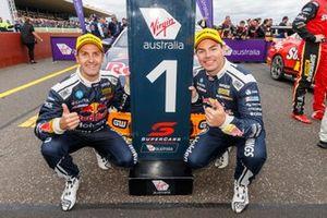 Победители Джейми Уинкап и Крейг Лаундес, Triple Eight Race Engineering
