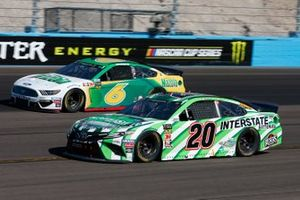 Erik Jones, Joe Gibbs Racing, Toyota Camry Interstate Batteries Ryan Newman, Roush Fenway Racing, Ford Mustang Mazola