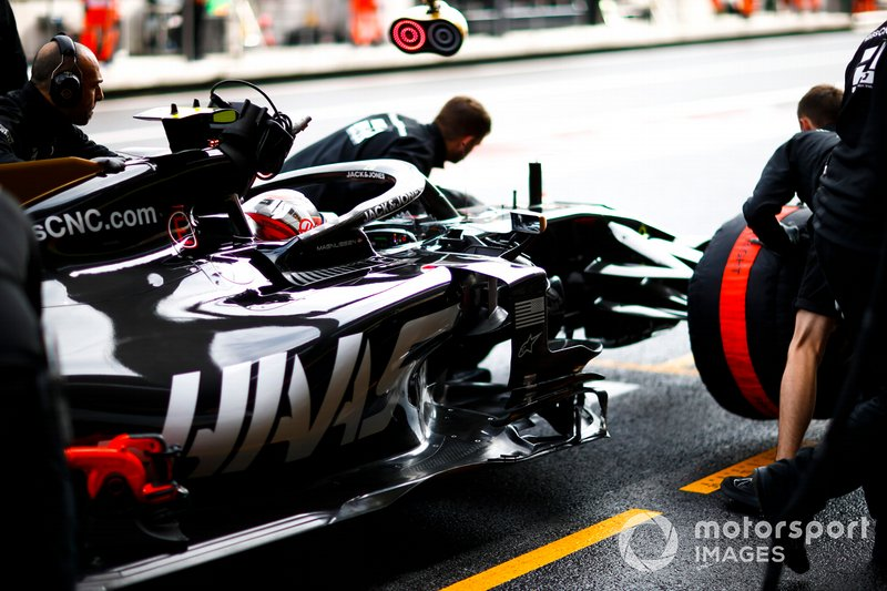 Kevin Magnussen, Haas F1 Team VF-19, in the pits during practice