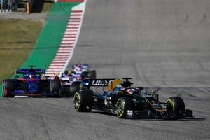 Romain Grosjean, Haas F1 Team VF-19, leads Daniil Kvyat, Toro Rosso STR14, Antonio Giovinazzi, Alfa Romeo Racing C38, and Lance Stroll, Racing Point RP19