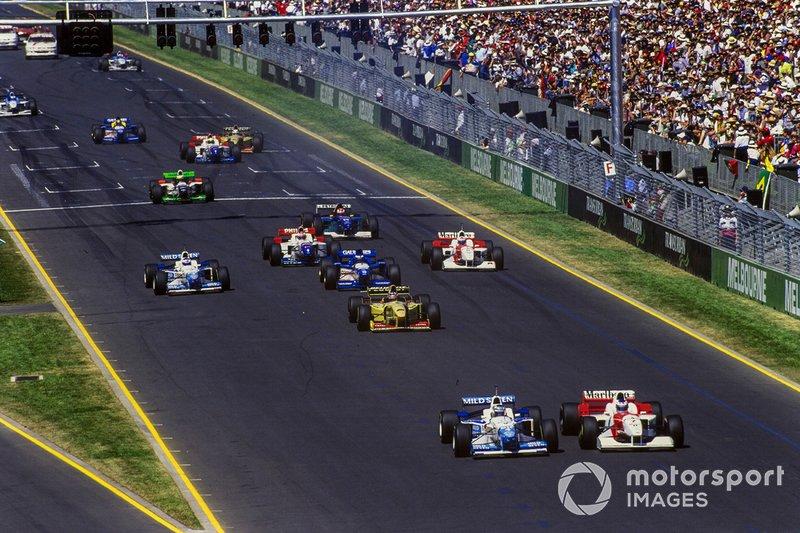 Mika Hakkinen, McLaren MP4-11 Mercedes, Gerhard Berger, Benetton B196 Renault