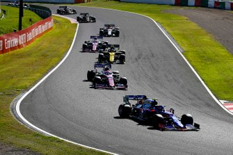 Pierre Gasly, Toro Rosso STR14, leads Lance Stroll, Racing Point RP19, Nico Hulkenberg, Renault F1 Team R.S. 19, Sergio Perez, Racing Point RP19, and Antonio Giovinazzi, Alfa Romeo Racing C38
