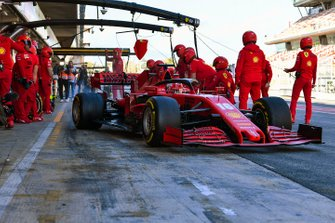 Charles Leclerc, Ferrari SF1000, maakt een pitstop