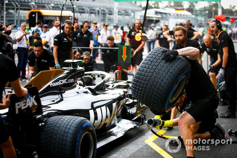Prove di pit stop della Haas F1
