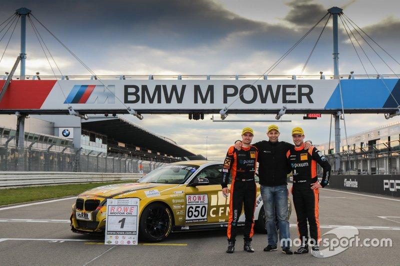 #650 BMW M240i Racing Cup: Yannick Fübrich, David Griessner with Team principal Matthias Unger