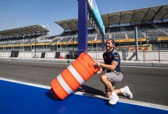 Sam Bird, Virgin Racing, has some fun on the track
