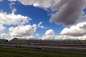 Scott Dixon, Chip Ganassi Racing Honda, Santino Ferrucci, Dale Coyne Racing with Vasser Sullivan Honda