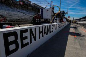 Ben Hanley, DragonSpeed USA Chevrolet pit wall