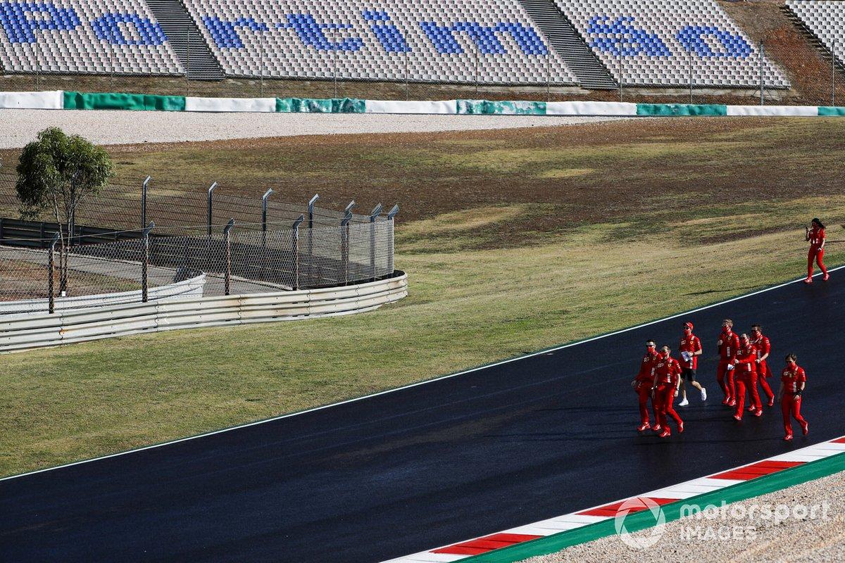 Sebastian Vettel, Ferrari, fait son tour de piste