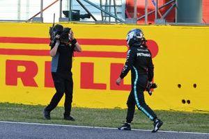 Valtteri Bottas, Mercedes-AMG F1, 2nd position, walks to the podium