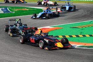 Liam Lawson, Hitech Grand Prix and Jake Hughes, HWA Racelab