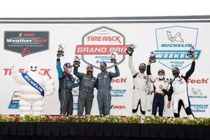LMP2-Podium: 1. Kelly, Simon Trummer, Scott Huffaker, 2. Kyle Tilley, Dwight Merriman, Colin Braun