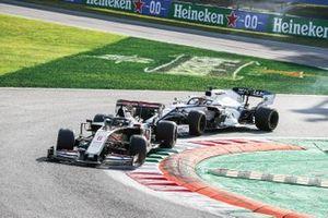 Romain Grosjean, Haas VF-20, George Russell, Williams FW43