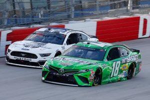 Kyle Busch, Joe Gibbs Racing, Toyota Camry Interstate Batteries, Joey Gase, Petty Ware Racing, Ford Mustang
