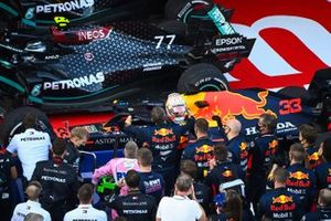Max Verstappen, Red Bull Racing, 2nd position, celebrates with his team on arrival in Parc Ferme