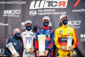 Podium: Race winner Nicky Catsburg, Engstler Hyundai N Liqui Moly Racing Team Hyundai i30 N TCR, second place Jean-Karl Vernay, Mulsanne Alfa Romeo Giulietta TCR, third place Nathanael Berthon, Comtoyou DHL Team Audi Sport Audi RS3 LMS