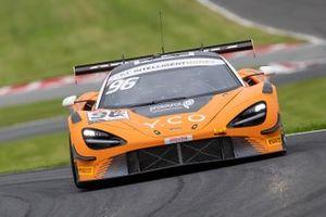 #96 Optimum Motorsport McLaren 720s GT3: Ollie Wilkinson, Lewis Proctor