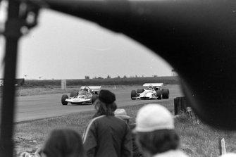 Rolf Stommelen, Surtees TS9 Ford, Howden Ganley, BRM P153