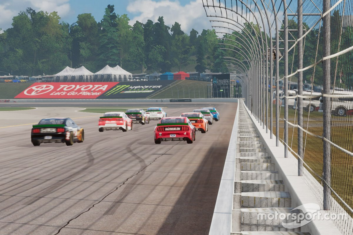 eNASCAR Heat Pro League screenshot