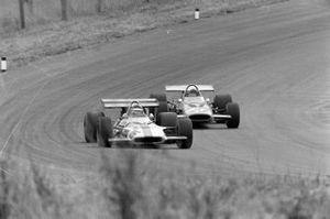 Jackie Oliver, BRM P153, Peter Gethin, McLaren M14A Ford