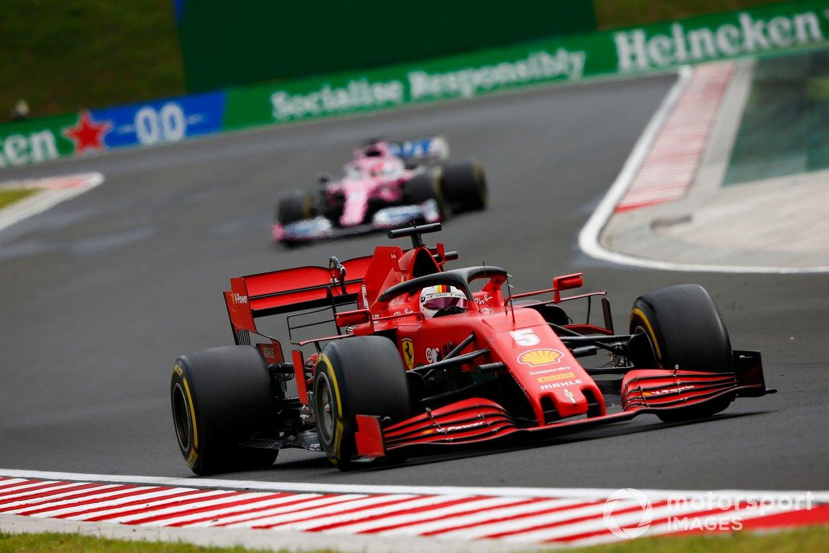 Sebastian Vettel, Ferrari SF1000, precede Sergio Perez, Racing Point RP20