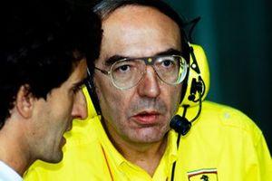 Alain Prost with Claudio Lombardi, Ferrari