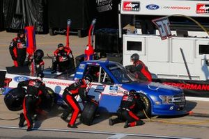 Tanner Gray, DGR-Crosley, Ford F-150 Ford Ford Performance pit stop