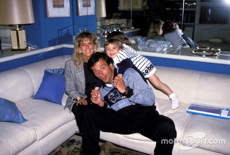 Riccardo Patrese with his wife Susi and their twins