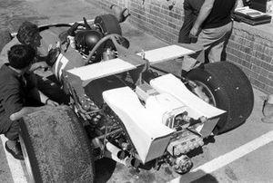 Un nouveau radiateur sur la Ferrari 312B de Jacky Ickx