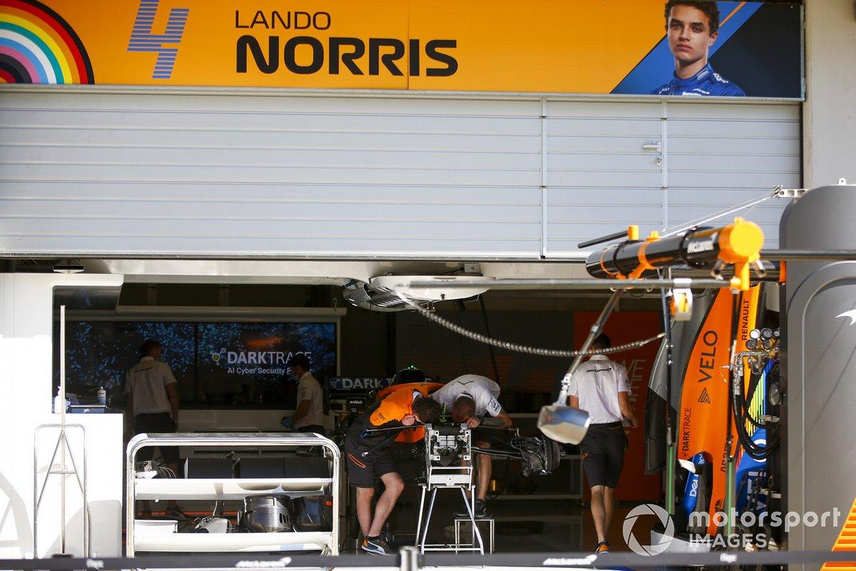 Garage of Lando Norris, McLaren MCL35