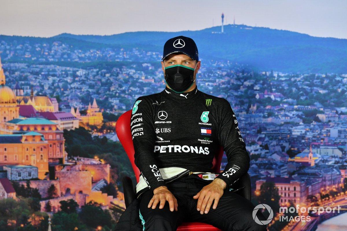 Valtteri Bottas, Mercedes-AMG Petronas F1, en la conferencia de prensa de calificación