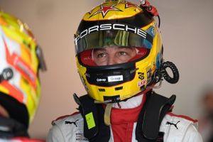 #912: Porsche GT Team Porsche 911 RSR - 19, GTLM: Earl Bamber