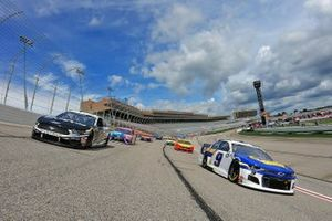 Chase Elliott, Hendrick Motorsports, Chevrolet and Aric Almirola, Stewart-Haas Racing, Ford lead the field